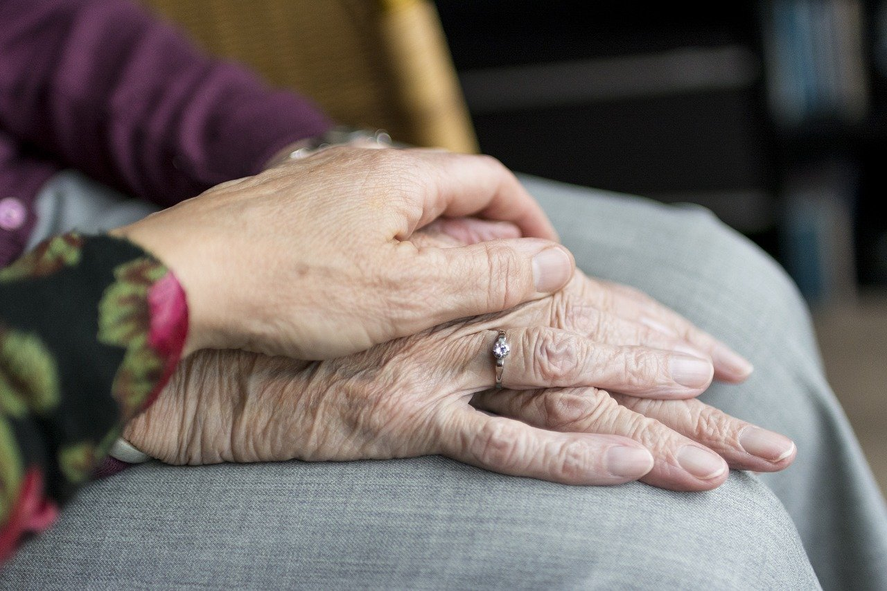 4 Signs Your Loved One May Require Assisted Living