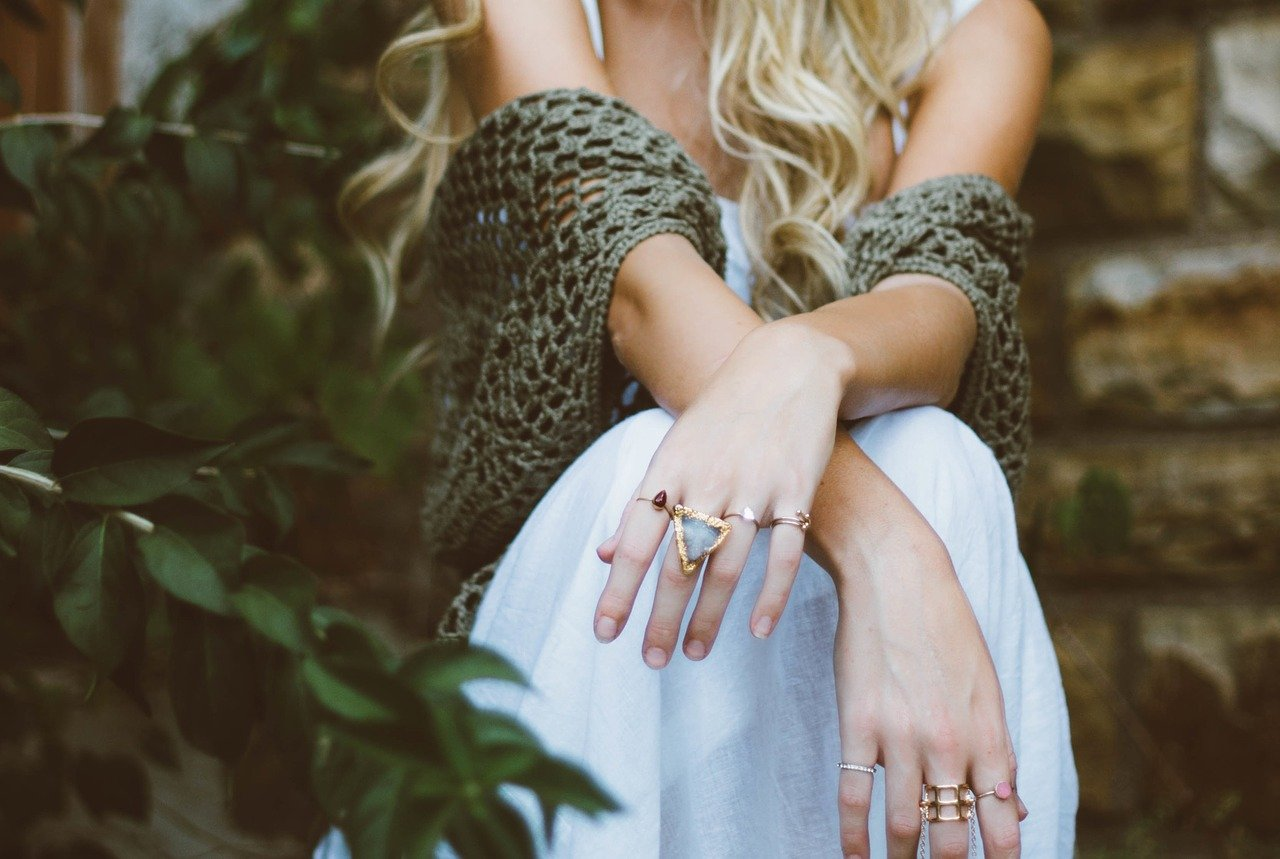 5 Popular Women Ring Trends to Check Out