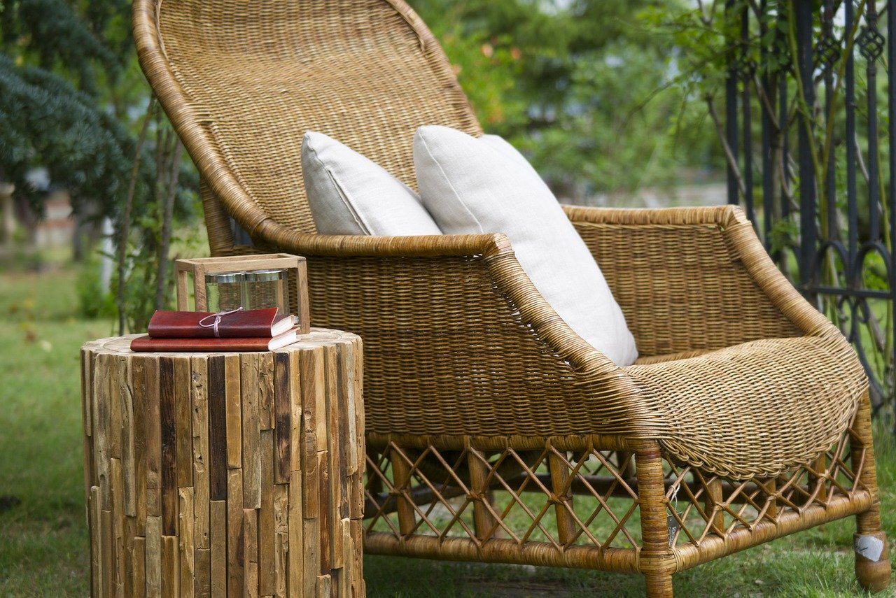 Ensuring the quality of your teak outdoor lounge furniture