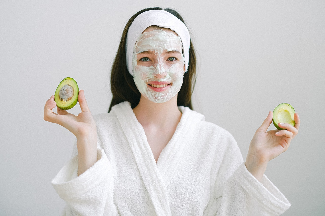 How Facial Peels Can Help Skin Issues